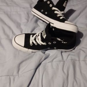 Shoes - NEW Converse